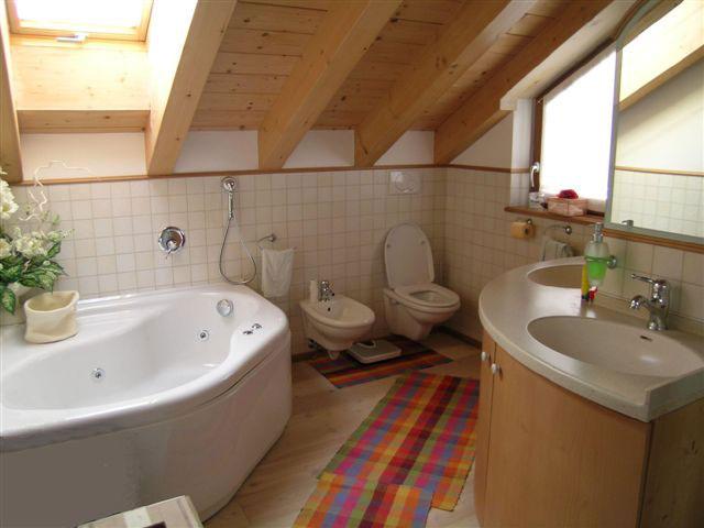 mobile bagno per asciugamani  avienix for ., Disegni interni